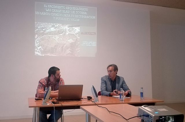 "The archaeological site of ""Las Cabezuelas"", present in the II International Congress ""LEGATVM 2.0"" - 2"