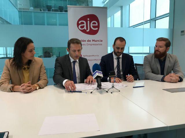 El Ayuntamiento de Torre Pacheco y la Asociación de jóvenes Empresarios de la Región de Murcia (AJE) firman un convenio de colaboración - 2, Foto 2