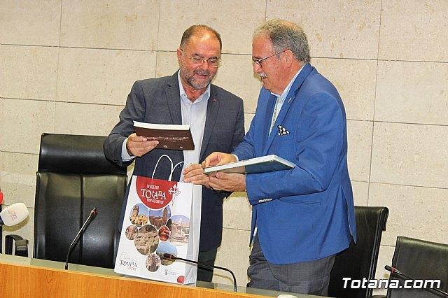 El Ayuntamiento de Totana realiza una recepci�n institucional a la delegaci�n de la ciudad hermana de M�rida, Foto 4