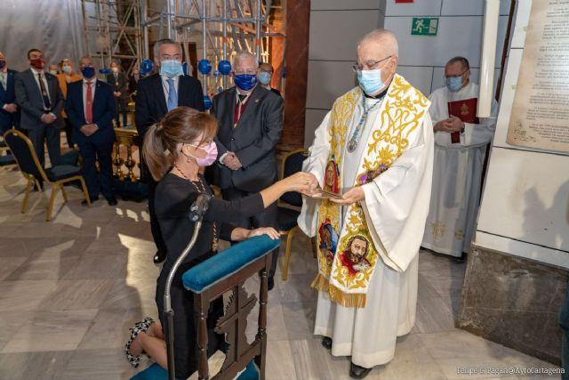 La alcaldesa pide a la Virgen de la Caridad fuerza y unidad para combatir la pandemia en la tradicional Onza de Oro - 1, Foto 1