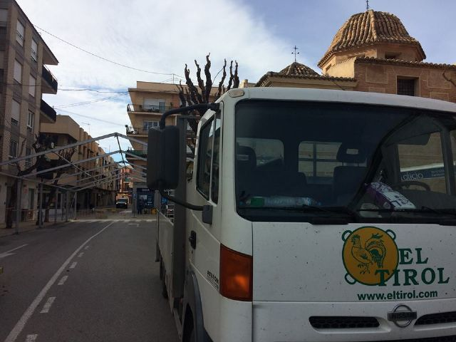 From today and until December 10, Calle Sol is cut off for traffic by the installation of the Carp of the Day Fair, Foto 2