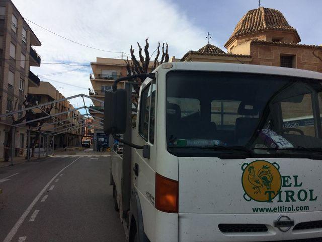 Desde hoy y hasta el 10 de diciembre se corta al tráfico la calle Sol por la instalación de la Carpa de la Feria de Día - 2, Foto 2
