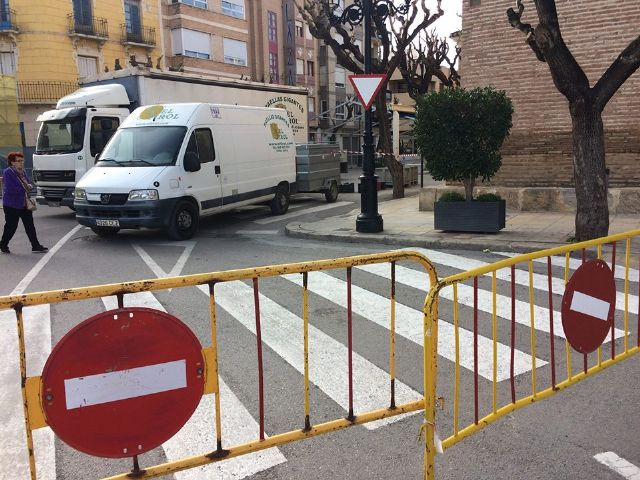 From today and until December 10, Calle Sol is cut off for traffic by the installation of the Carp of the Day Fair, Foto 5