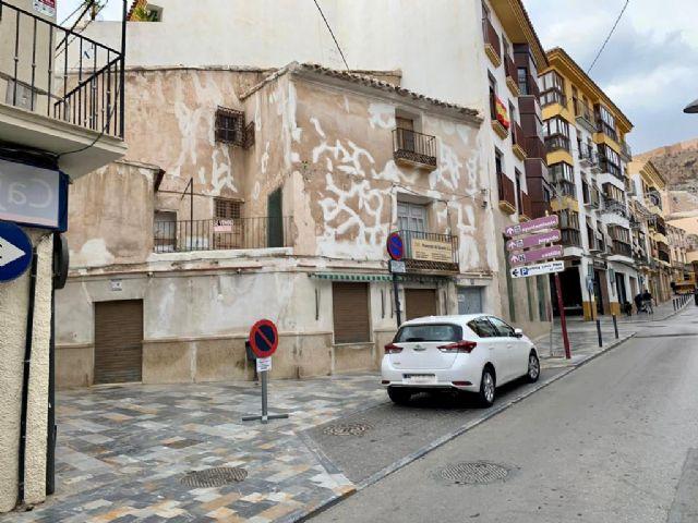 A partir de este viernes y hasta el próximo domingo se cortará el tráfico en la calle Álamo por la demolición de un inmueble - 1, Foto 1