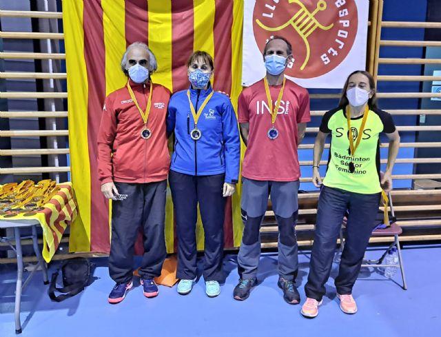 Gran actuación del Bádminton Las Torres en la prueba de Barcelona del circuito nacional senior - 2, Foto 2