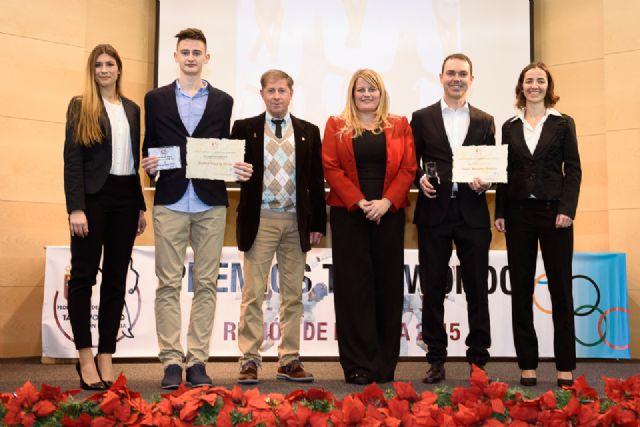 Los mazarroneros Rubén García y Ángel Morales premiados en la gala regional de taekwondo, Foto 1