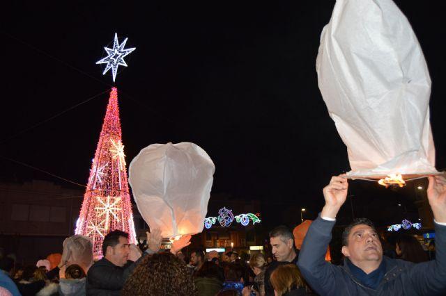 Los farolillos vuelven a inundar de color, ilusión y Navidad el cielo de Torres de Cotillas - 4, Foto 4