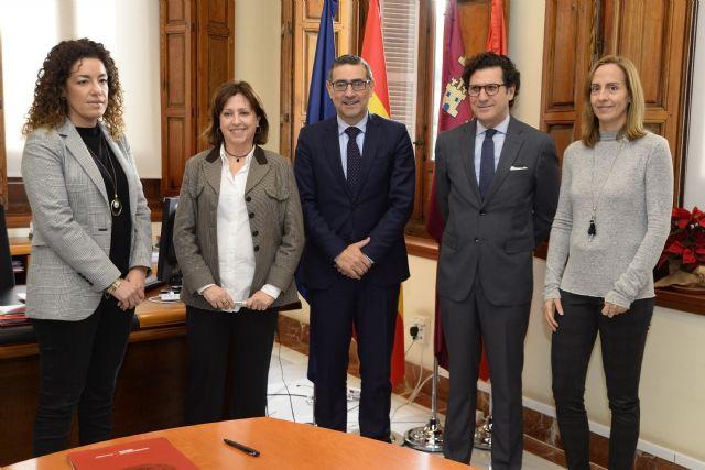 La Universidad de Murcia y el TSJ firman un convenio para colaborar en investigación y transferencia de conocimiento en RSC - 2, Foto 2