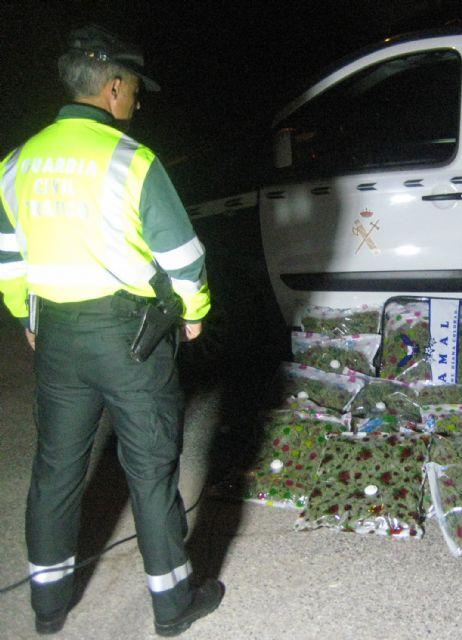 La Guardia Civil sorprende a un conductor con 22,6 kilos de marihuana en Yecla - 4, Foto 4