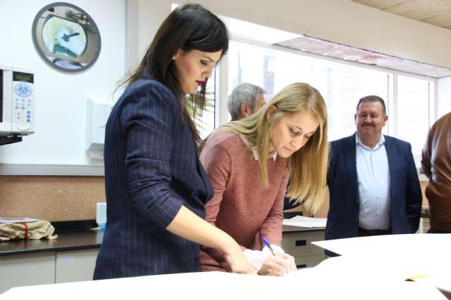 Alhama restaura dos documentos históricos a través del Archivo General de la Región, Foto 5