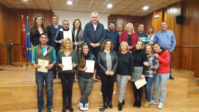 Un programa del SEF forma y emplea en albañ ilería a 15 desempleados de Moratalla - 1, Foto 1