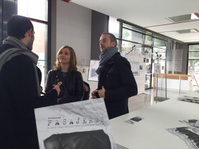 Institutos del municipio visitan la exposición ´Refugiados´ que muestra la vida de alojados en campos de Francia y Grecia - 1, Foto 1