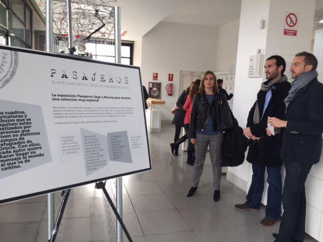 Institutos del municipio visitan la exposición ´Refugiados´ que muestra la vida de alojados en campos de Francia y Grecia - 2, Foto 2