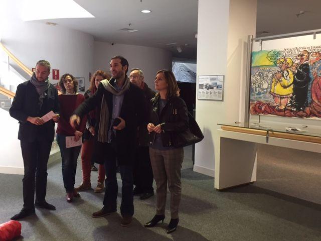 Institutos del municipio visitan la exposición ´Refugiados´ que muestra la vida de alojados en campos de Francia y Grecia - 3, Foto 3
