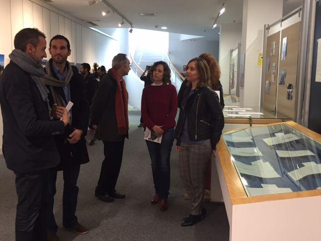 Institutos del municipio visitan la exposición ´Refugiados´ que muestra la vida de alojados en campos de Francia y Grecia - 5, Foto 5