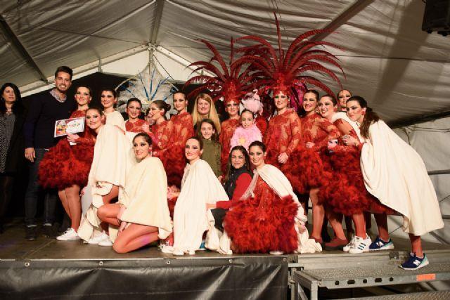 Salsalá obtiene el primer premio en el desfile de carnaval de peñas locales, Foto 1