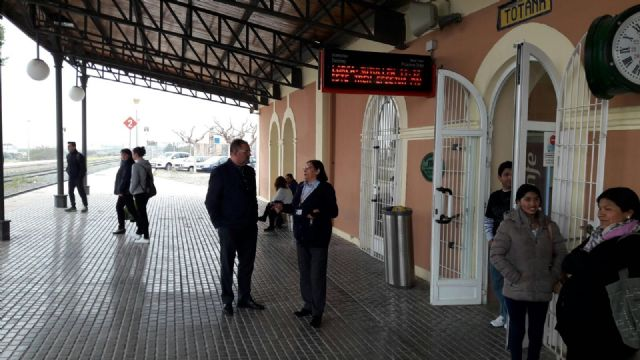 """One restarts the face-to-face service at the Totana Station """"One year after the motion submitted by Ganar Totana demanding the recovery of the service was approved in plenary, and after the Mayor's efforts before Renfe, Totana To recover a b - 1"""