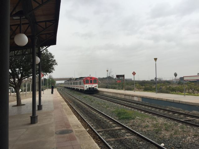 """One restarts the face-to-face service at the Totana Station """"One year after the motion submitted by Ganar Totana demanding the recovery of the service was approved in plenary, and after the Mayor's efforts before Renfe, Totana To recover a b - 2"""