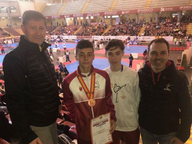 Nuevos éxitos para deportistas locales en taekwondo y atletismo, Foto 1