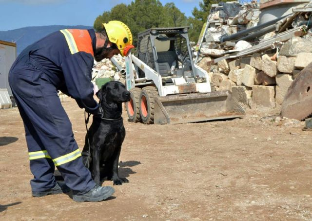 The Canine Civil Protection Unit in Totana participates in the III Cynological Workshop on Search, Rescue and Detection