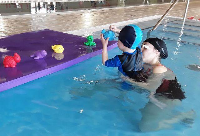Se mantendrá el servicio de Terapia Acuática de los menores derivados por los centros educativos durante el año 2020 en la piscina climatizada