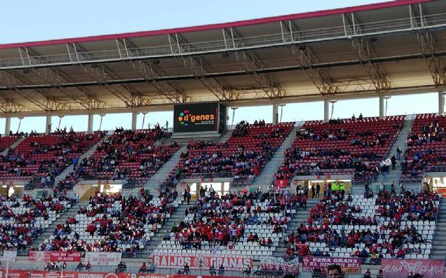 D´Genes visibilizó las enfermedades raras en el encuentro entre Real Murcia y UCAM CF en el estadio Enrique Roca de Murcia