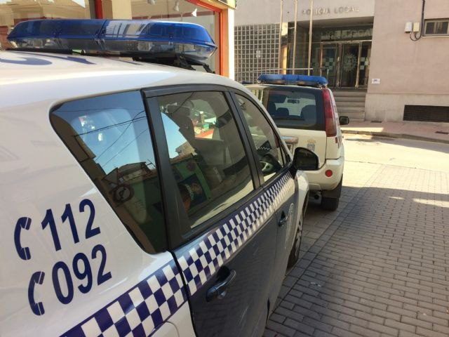 La Policía Local detiene este fin de semana a dos personas por conducir bajos los efectos del alcohol y a otras dos por un delito de asociación ilícita