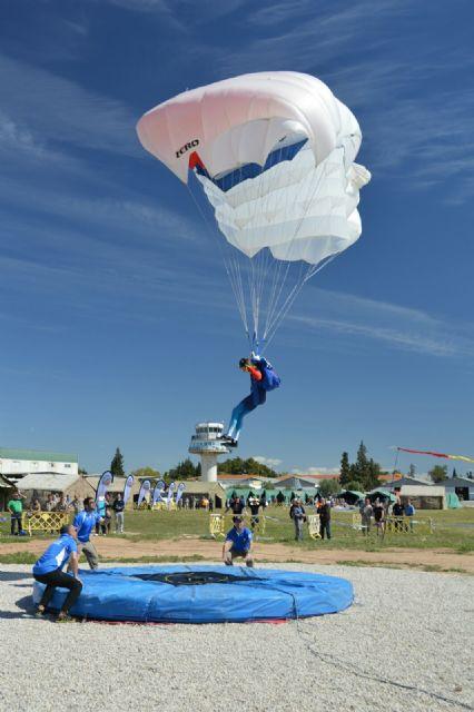 Comenzó en la Base Aérea de Alcantarilla el 50 Campeonato Nacional Militar de Paracaidismo y Torneo Internacional - 2, Foto 2
