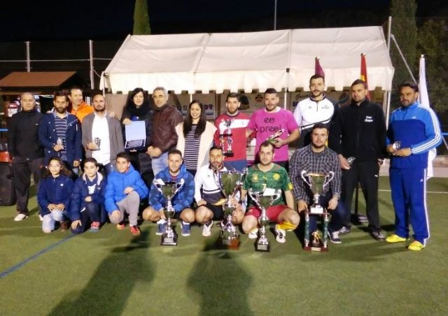 "Soccer League closes ""Play fair"" with trophy delivery"