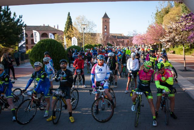 La marcha ciclista La Mobel Sierra Espuña congrega a 400 ciclistas en su segunda edicion, Foto 1