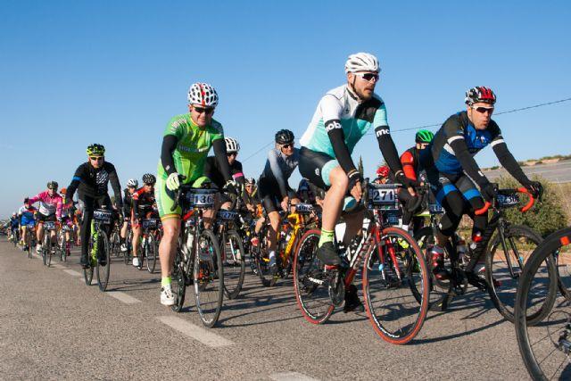 La marcha ciclista La Mobel Sierra Espuña congrega a 400 ciclistas en su segunda edicion, Foto 2