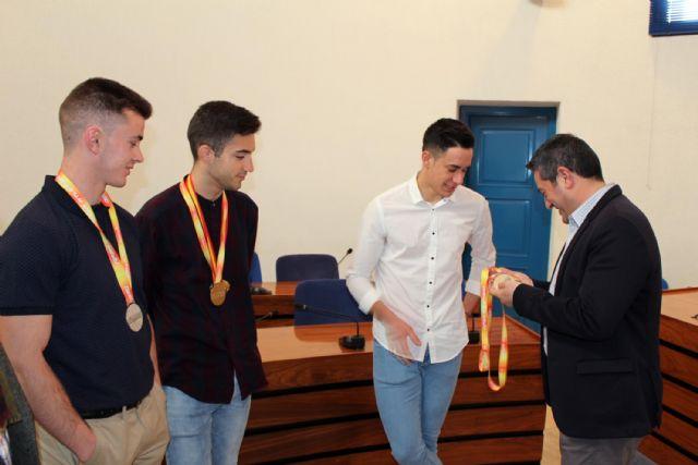 El alcalde de Alcantarilla recibe en el Ayuntamiento a los tres atletas del Nutribán Sociedad Atlética - 5, Foto 5