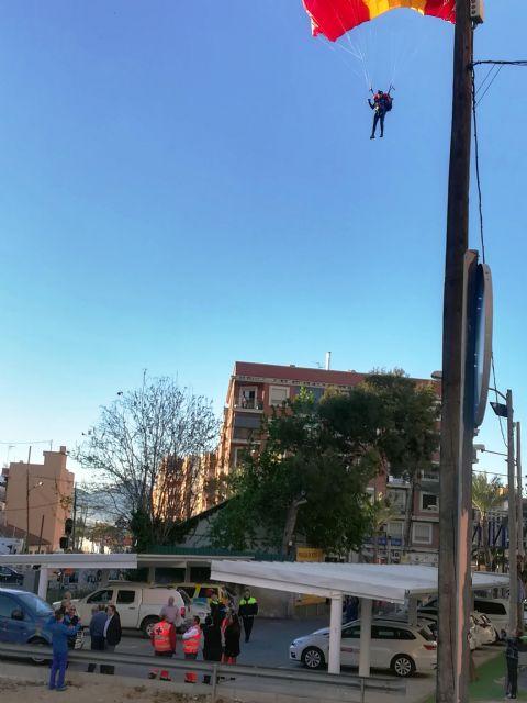 La PAPEA realizó hoy un ensayo del salto paracaidista que realizarán el próximo domingo, en el Encuentro del Resucitado en Alcantarilla - 3, Foto 3