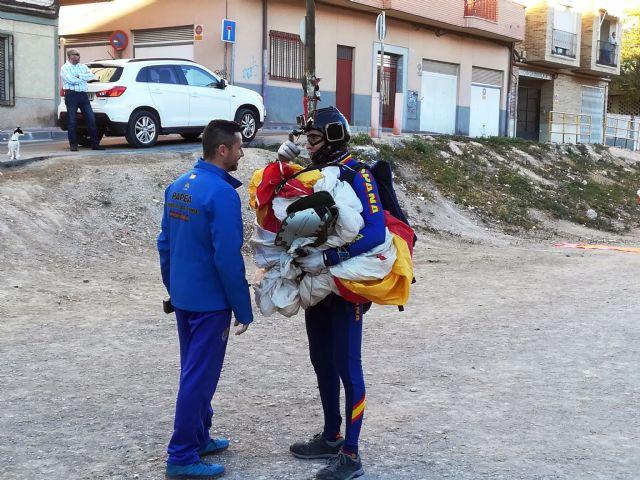 La PAPEA realizó hoy un ensayo del salto paracaidista que realizarán el próximo domingo, en el Encuentro del Resucitado en Alcantarilla - 5, Foto 5