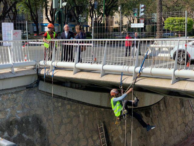El Puente del Hospital se convierte en la ´zona cero´ del plan de actuación contra la invasión de palomas en Vistabella - 1, Foto 1