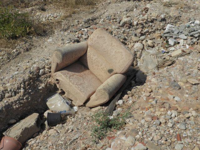 Medio Ambiente advierte de los riesgos de arrojar basuras a las ramblas, Foto 2