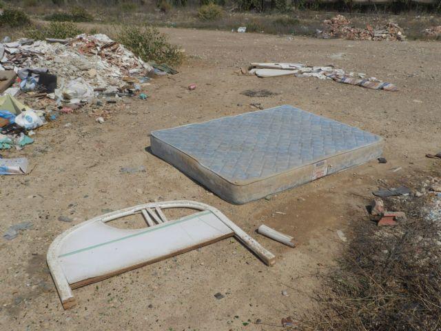 Medio Ambiente advierte de los riesgos de arrojar basuras a las ramblas, Foto 8