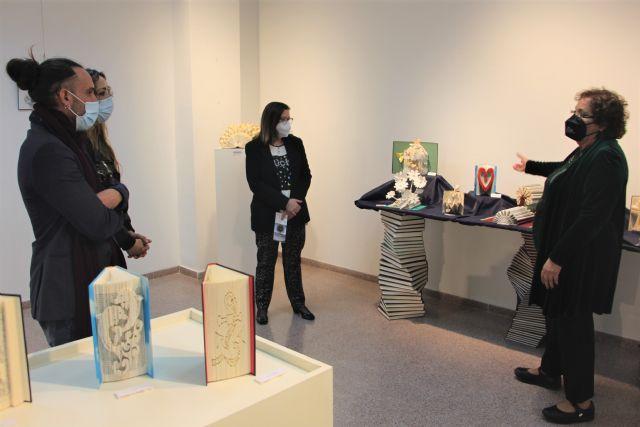 Carmen Giménez da una segunda vida a los libros en la exposición ReciclArte - 1, Foto 1