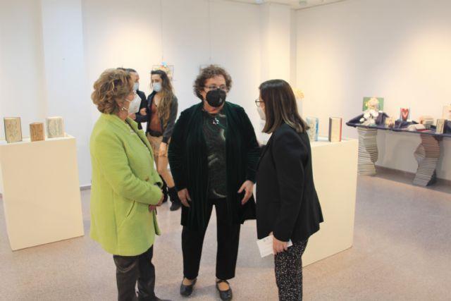 Carmen Giménez da una segunda vida a los libros en la exposición ReciclArte - 2, Foto 2