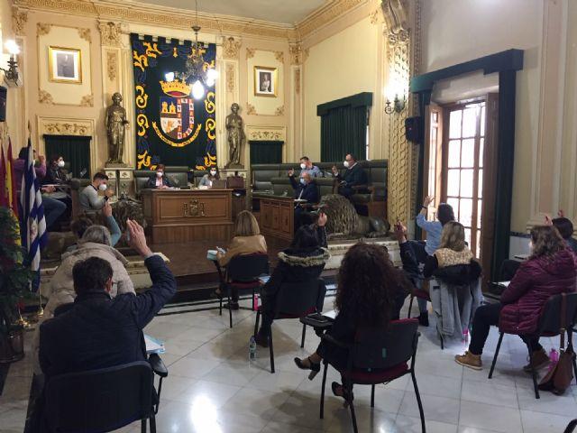 El pleno aprueba solicitar a la CARM a que ponga en marcha ayudas a empresas y autónomos que complementen las del Gobierno de España - 1, Foto 1