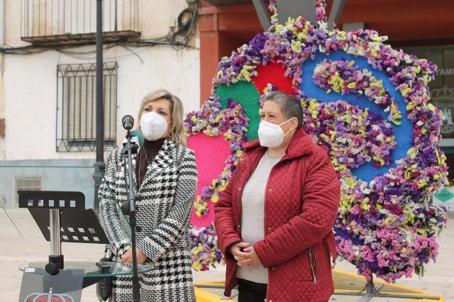 Una huertana de forja con adornos florales rinde homenaje a la Fiesta de San Marcos - 4, Foto 4