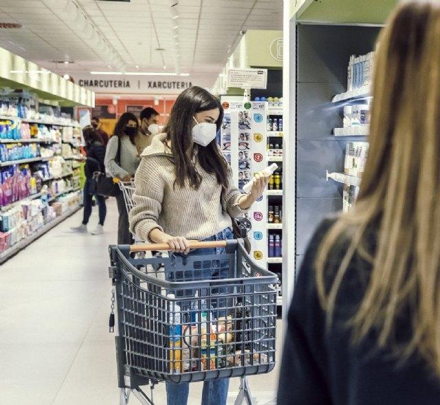 Consum sustituye todos los mangos de sus carros de compra por unos tratados contra la Covid-19 - 1, Foto 1