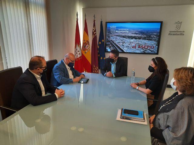 Ayuntamiento y empresarios del Polígono colaboran para mejorar las prestaciones del Parque Industrial Oeste - 2, Foto 2