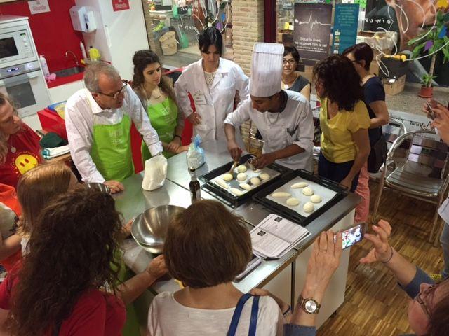 25 celíacos aprenden a cocinar alimentos aptos para su salud gracias al Taller de Gastronomía del Ayuntamiento de Murcia - 3, Foto 3
