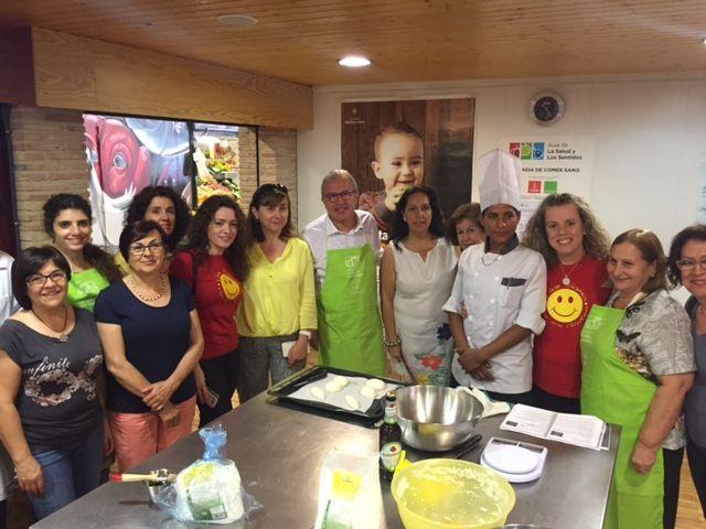 25 celíacos aprenden a cocinar alimentos aptos para su salud gracias al Taller de Gastronomía del Ayuntamiento de Murcia - 5, Foto 5