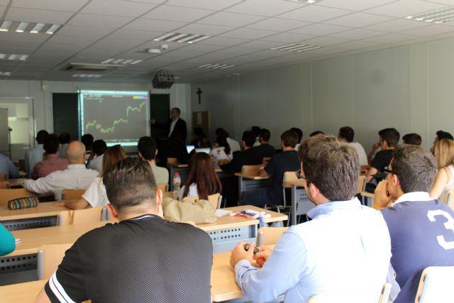 La UCAM y GPM acercan el mundo del trading a estudiantes y empresarios de la Región - 1, Foto 1