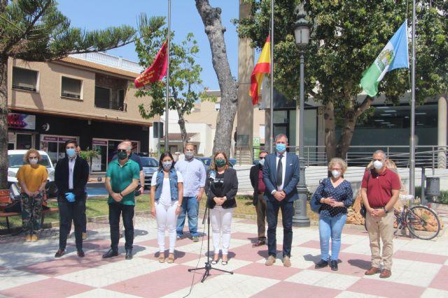 San Pedro del Pinatar se suma al minuto de silencio en memoria de las víctimas del coronavirus - 2, Foto 2