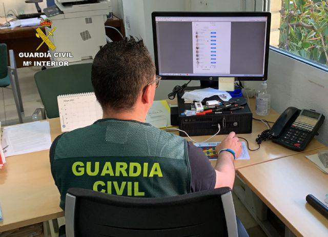 La Guardia Civil detiene a un joven por  delito de corrupción de menores - 4, Foto 4