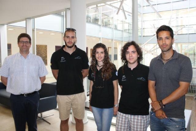 La UPCT acerca a los alumnos de secundaria el desarrollo de prototipos de automóviles de competición - 3, Foto 3