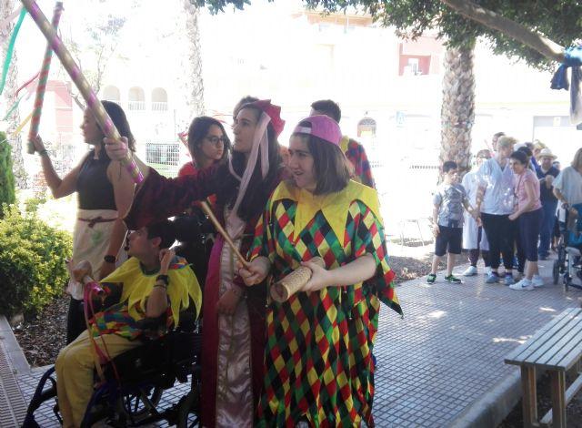 Los Centros de Día para la Discapacidad de Totana organizan una Fiesta Medieval para fomentar las habilidades sociales y comunicativas de los usuarios